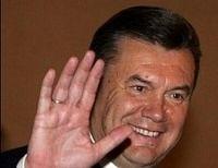 Янукович спел «Любимый город может спать спокойно» (видео)