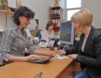 По какой статье надо уволиться чтобы выплачивали пособие в центре занятости украина