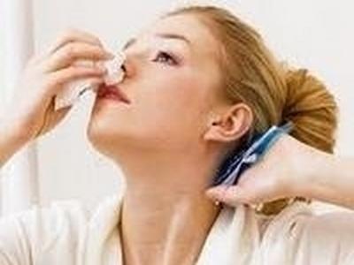 Как приостановить чихание и течь из носа