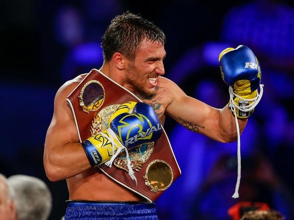 Василий Ломаченко поднялся на четвертое место в рейтинге лучших боксер