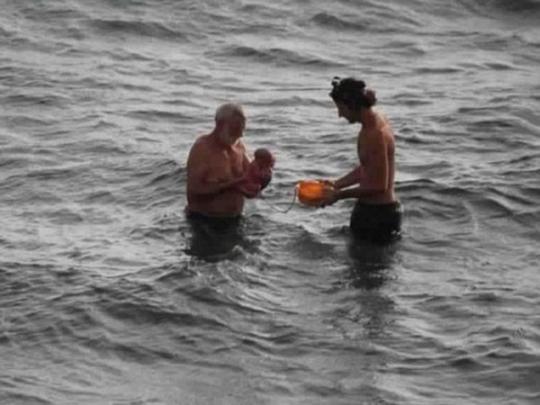 Утуристки из РФ приняли роды вморе наегипетском курорте