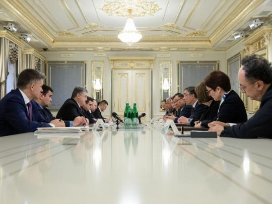 Порошенко: поездка В.Путина вКрым— рискованная провокация