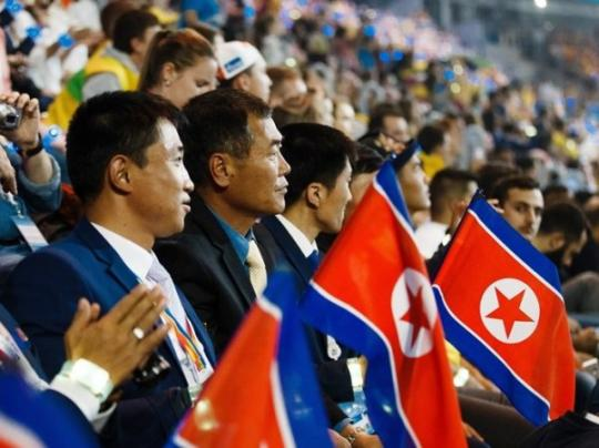Президент МОК прибыл вСеверную Корею