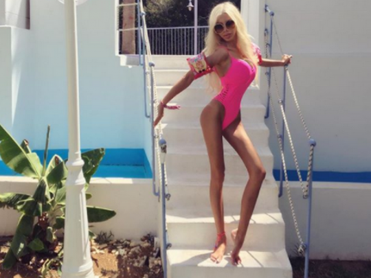 Первая польская «живая Барби» поведала, сколько стоит еевнешность