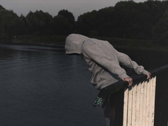 Порошенко подписал закон обуголовной ответственности засклонение ксуициду через Интернет