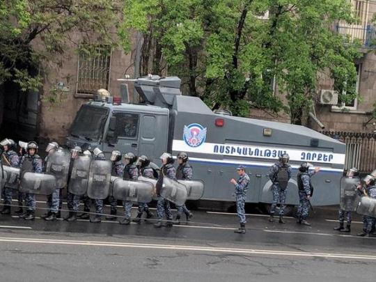 Акции неповиновения вЕреване иповсей территории Армении продлятся