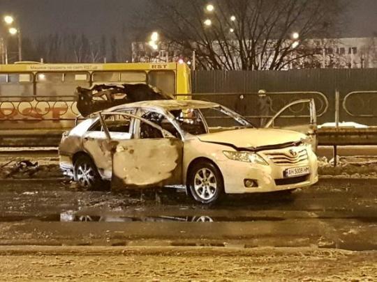 Встолице около  станции метро неизвестные бросили две гранаты вавтомобиль