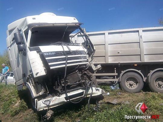 НаНиколаевщине столкнулись фургон ипассажирский автобус— пострадало 4 человека