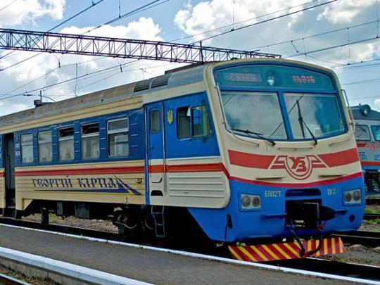 НаЛьвовщине пассажиры заблокировали движение электрички