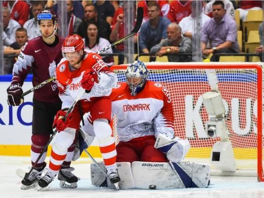 Российские хоккеисты проиграли канадцам 4:5
