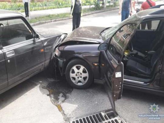 Гастролеры из Молдовы таранили авто полиции, чтобы скрыться от преследования (фото)