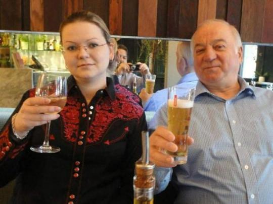 ПосольствоРФ потребовало от Великобритании извинений по«делу Скрипалей»