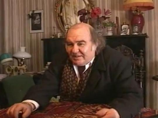 Артист из телесериалов «Бандитский Петербург» и«След» найден мертвым всвоей квартире