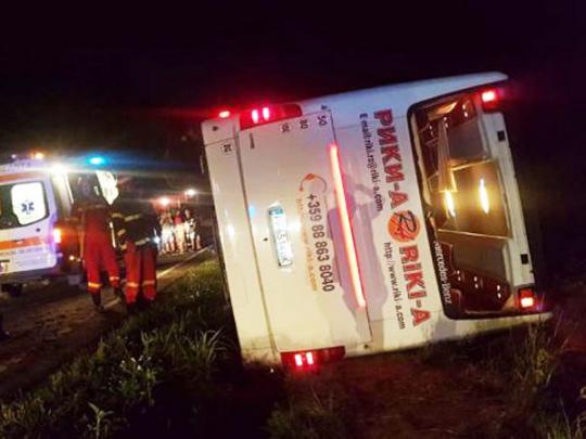ВРумынии перевернулся автобус с60 украинцами. Пострадали дети