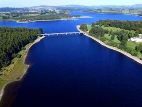 Ирландия вводит ограничения на использование воды из-за засухи