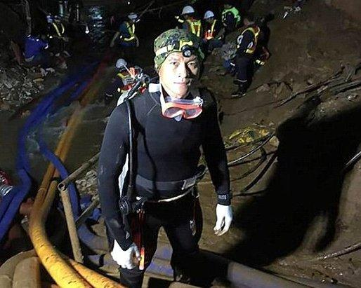 Умер дайвер, спасавший детей в Тайланде