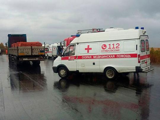 В РФ автобус столкнулся с грузовиком, погибли три человека