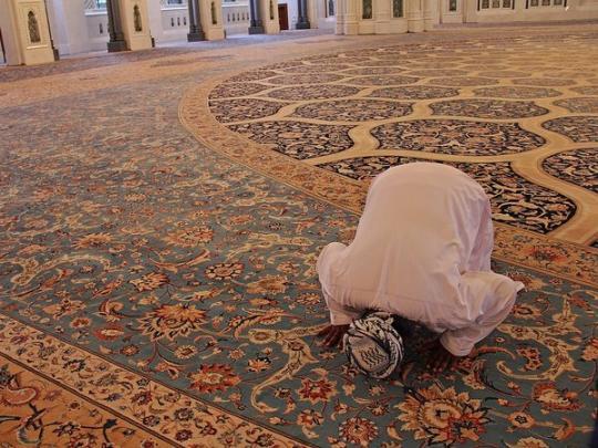 В результате взрыва в мечети в Афганистане погибли десятки людей