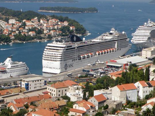 Популярный курорт в Хорватии ввел ограничение на прием туристов