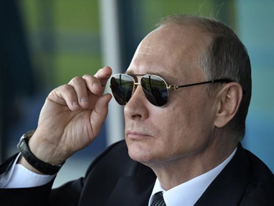 Путин снова посетил Крым и раскритиковал Украину
