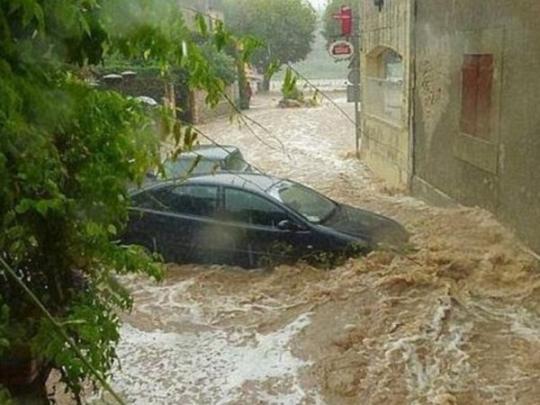 Во Франции из-за наводнений эвакуированы сотни людей