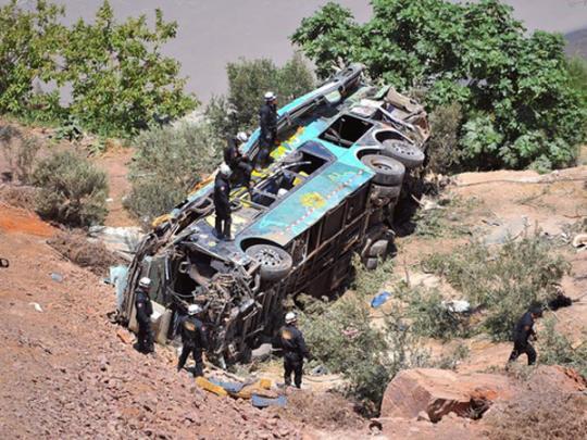В Перу автобус упал в ущелье: погибли 15 человек