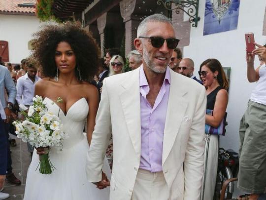 Это официально: Венсан Кассель иТина Кунаки подтвердили слухи оскорой свадьбе