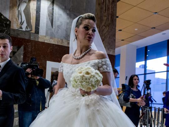 Русские СМИ: Максакова вышла замуж, иее«кинули» наквартиру