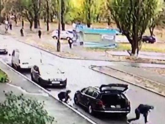 ВКиеве прохожие помогли задержать злоумышленников, похитивших 800 тыс. грн