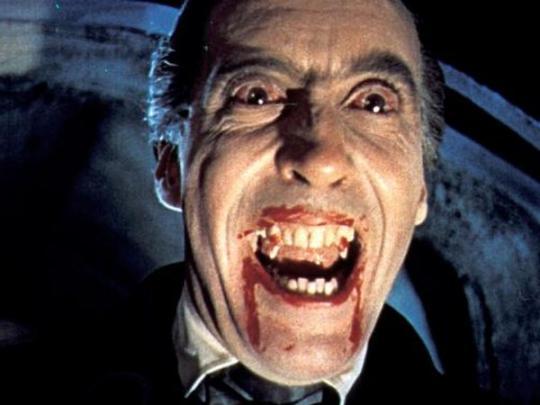 Кадр из фильма про Дракулу