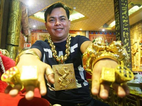 Тран Нгок Пхук в золоте