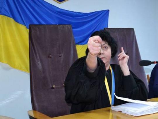 Печерський суд за місяць зняв арешт щонайменше з 26 рахунків фірм оточення Януковича - Цензор.НЕТ 7615