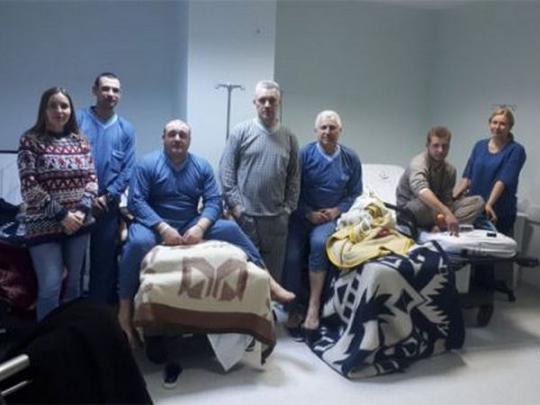 Спасенные сзатонувшего уберегов Турции судна украинские моряки улетели вОдессу