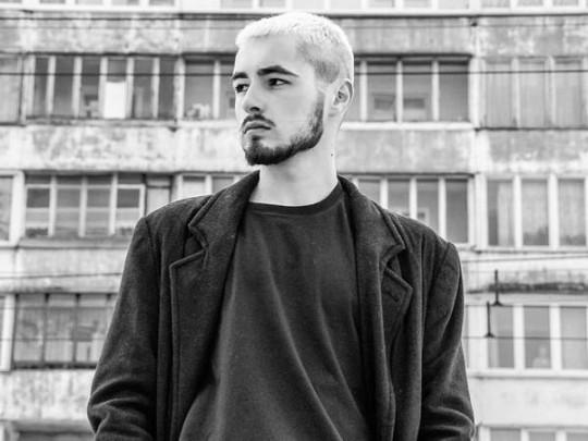 Певца Андрея Хайата избили вкиевском метро