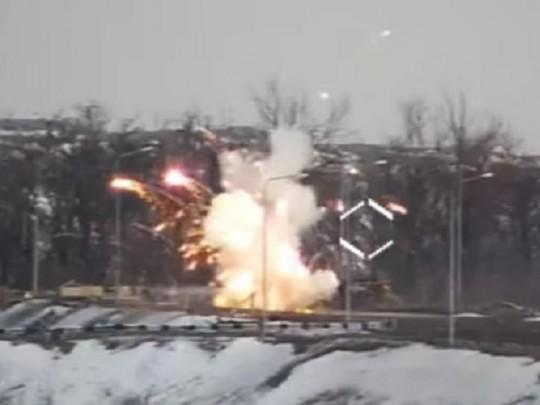 ВДонецкой области наКПВВ Еленовка взорвался автобус спассажирами 2 трупа