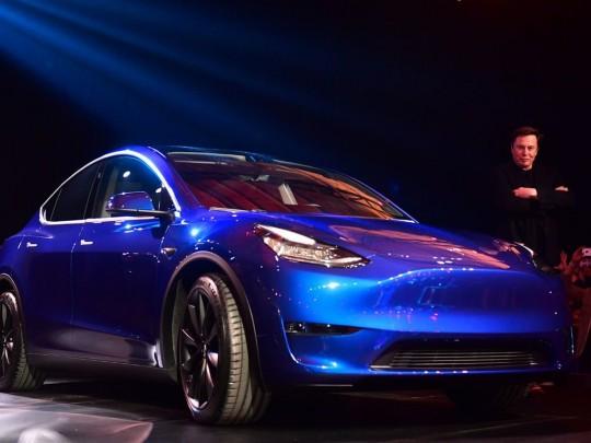 Илон Маск и новая Tesla