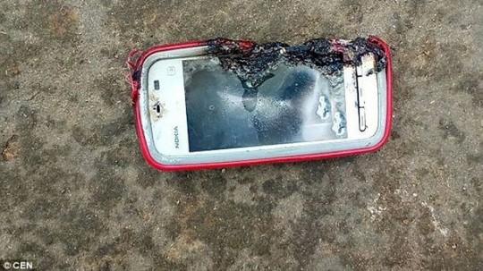 взорванный мобильный