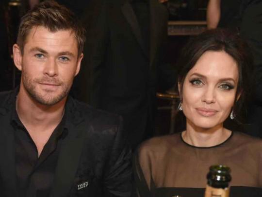Супруга одного из«Мстителей» приревновала его кАнджелине Джоли