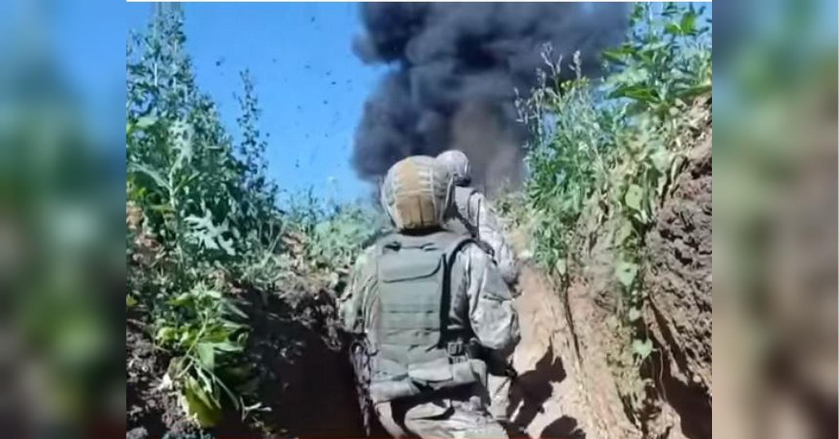 Бойцы Азова заняли позиции боевиков возле Светлодарской дуги и нашли д