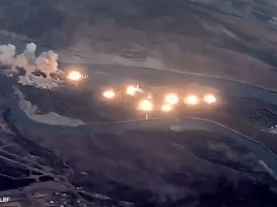 video-onlayn-bomba-doyki-drochka-v-kolgotkah