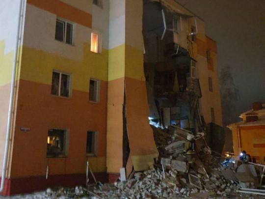 ВБелгородской области из-за взрыва газа обрушилась стена четырехэтажки