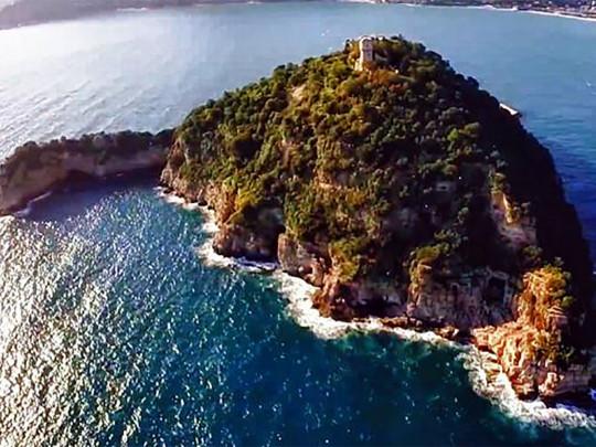 Сын Богуслаева купил итальянский остров за 10 млн долларов (фото)