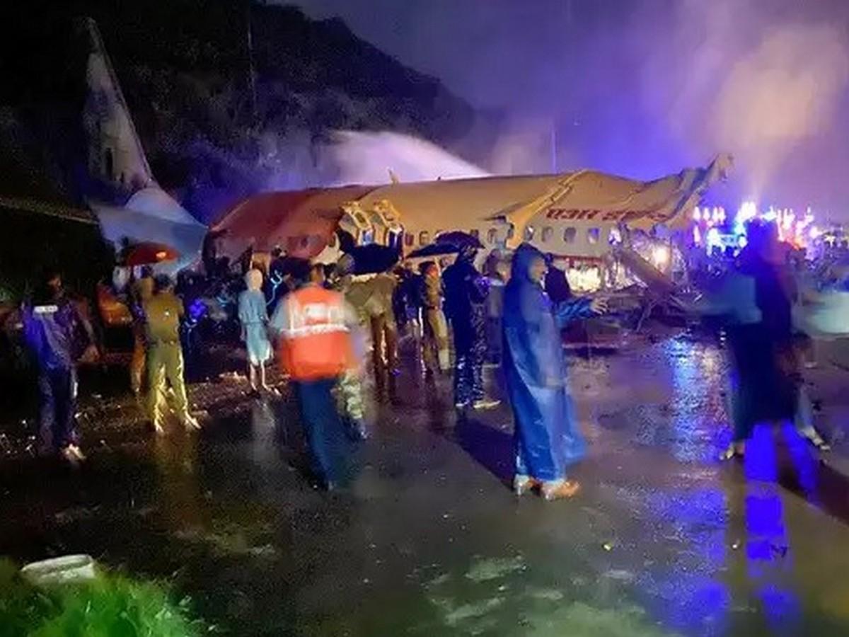 пассажиры разбившегося самолета фото из дубаи горят менее