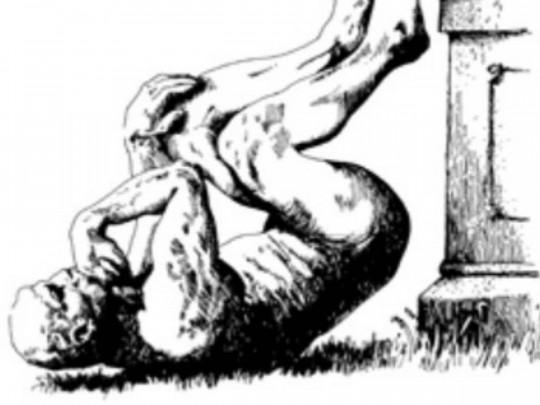 Упавший «Мыслитель» Родена
