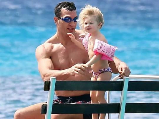 Владимир Кличко с дочерью Кайей Евдокией