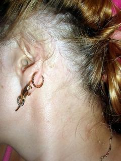 Девушка сломанными ушами фото
