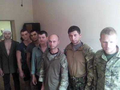 http://fakty.ua/user_uploads/images/articles/2014/06/16/183297/Gorlovka_plennue%20besa.jpg