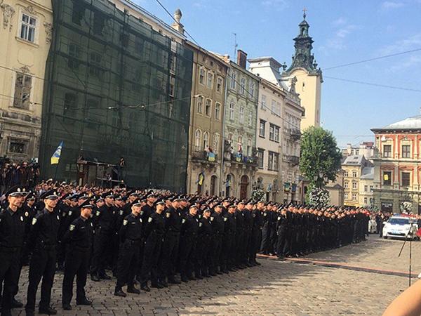 Новая полиция Львова присягнула на верность украинскому народу - Цензор.НЕТ 3352