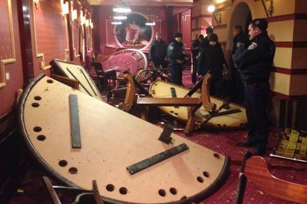 Подпольные казино в запорожье работают жизнь казино крупье