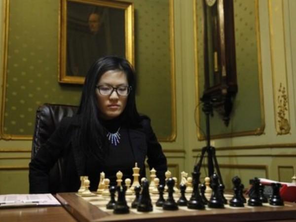 Китаянка Хоу Ифань чемпионка мира по шахматам с 2010 по 2012-й и с 2013 по 2015 год